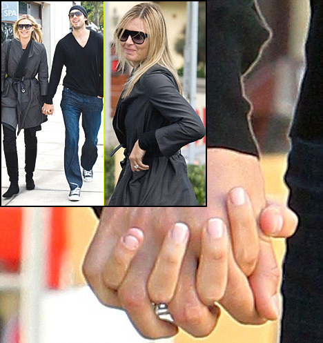 Jewelry experts say Sharapova's engagement ring is a gigantic 8-carat