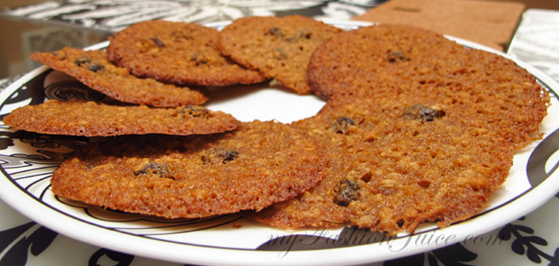 Thin Oatmeal Raisin Cookies Recipe - My Fashion Juice