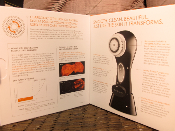 Clarisonic_Aria_Skin_Cleansing2