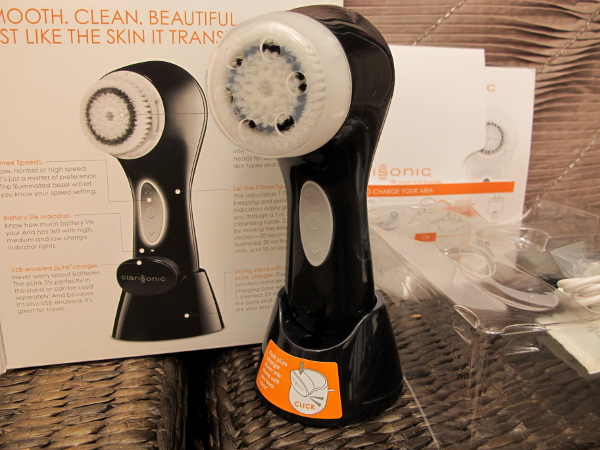 Clarisonic_Aria_Skin_Cleansing4