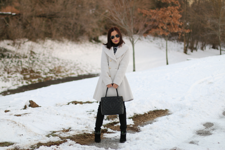 Winter White Coat, Jessica Simpson