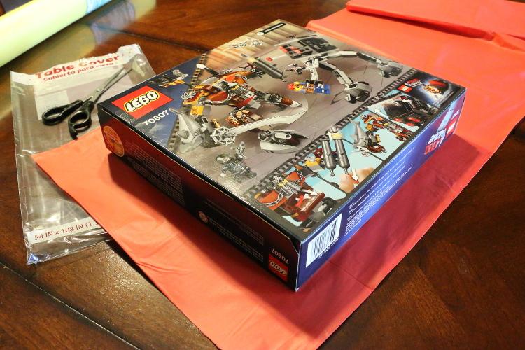 Hallmark ValueCards lego giftwrap robot card shop diy3 DIY Gift Wrap and Creative Card Ideas with Hallmark