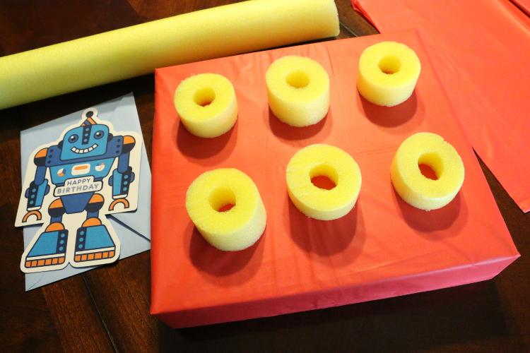 Hallmark ValueCards lego giftwrap robot card shop diy6 DIY Gift Wrap and Creative Card Ideas with Hallmark